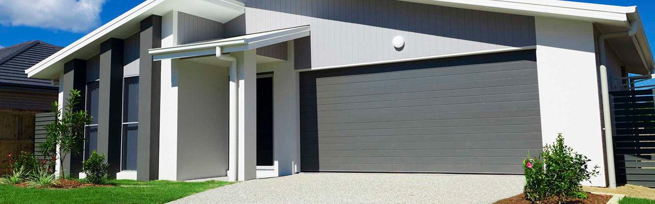 Cómo limpiar con seguridad la puerta del garaje